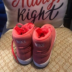Nike Shoes - nike sneakers sizes 7y